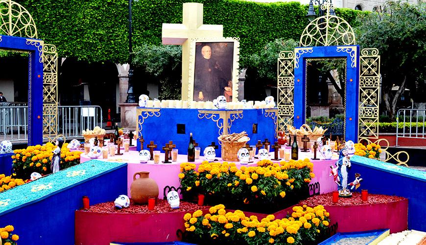 Este año se dedica el altar de muertos a Don Juan Caballero y Ocio