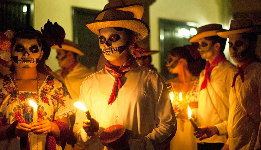 """<h1>D´Tour: Pasa """"Día de Muertos"""" en Michoacán, el lugar donde la muerte es un jolgorio</h1>"""