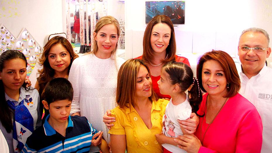 <h1>Inauguran Karina Castro y Carmen Herrera área para niños discapacitados</h1>