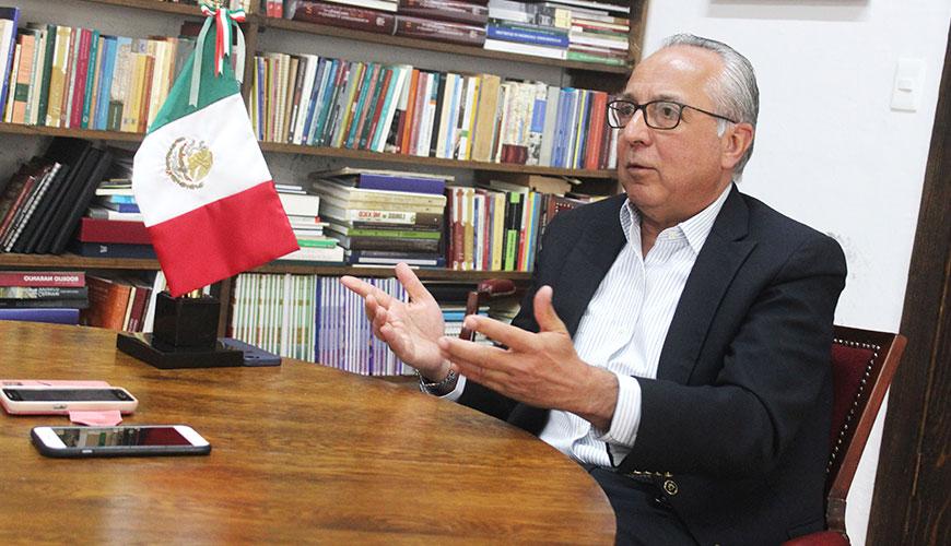 <h1>Hablamos de política con Ignacio Loyola Vera, ex gobernador de Querétaro</h1>