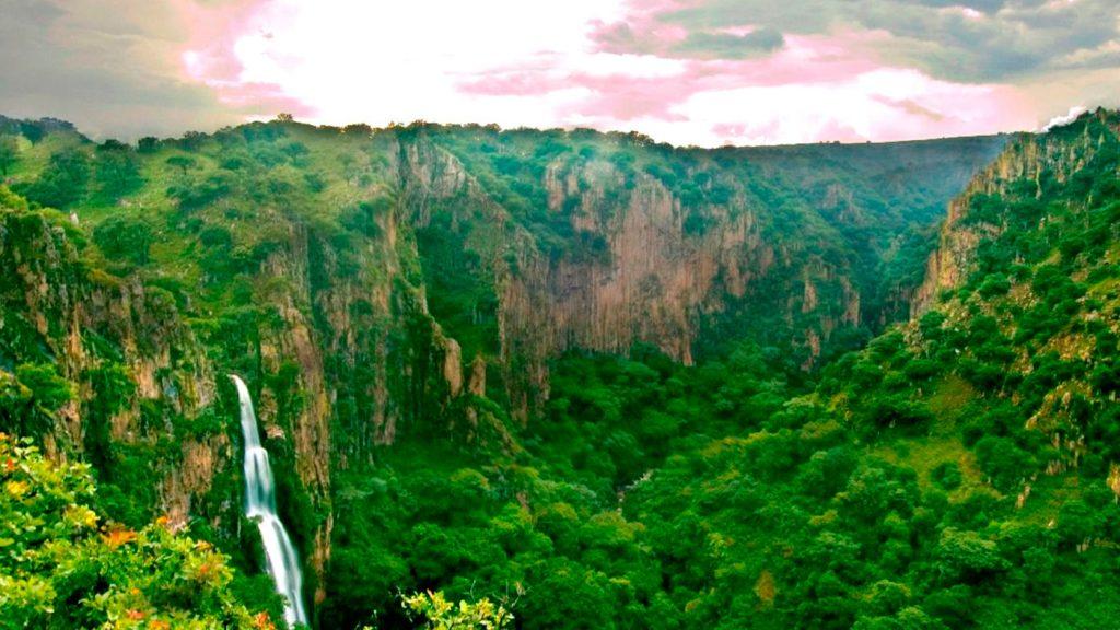 <h1>Conoce las cascadas de San Lorenzo, un paraíso natural</h1>