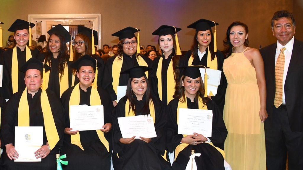 <h1>Egresa nueva generación de Atenas Estudios Superiores en Puericultura y Educación</h1>