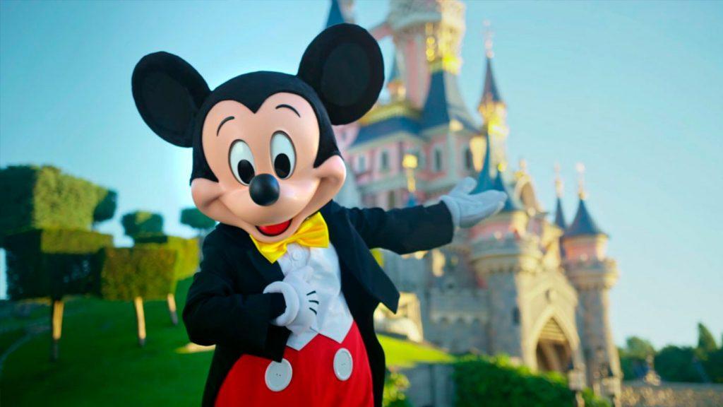 <h1>Nuevo retrato de Mickey Mouse rumbo a sus 90 años</h1>