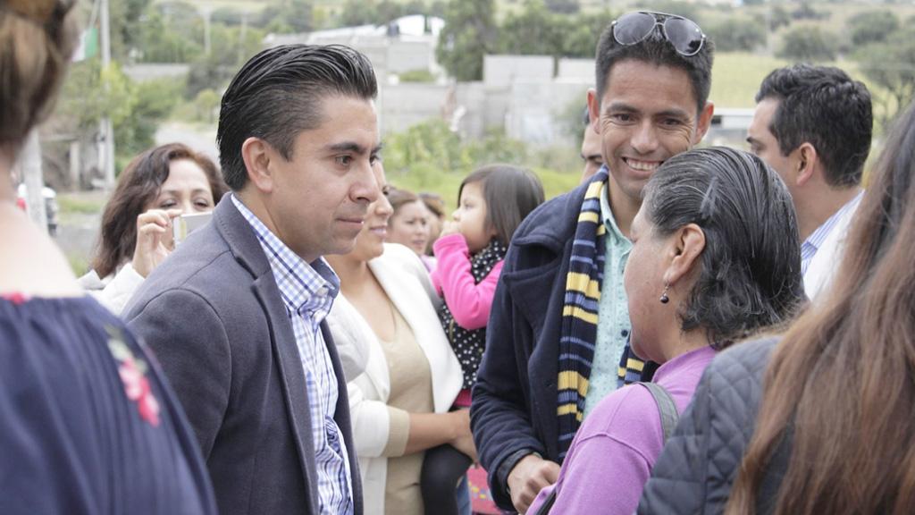 Alcalde de corregidora entrega casa de salud en la for Casa minimalista en valladolid yucatan
