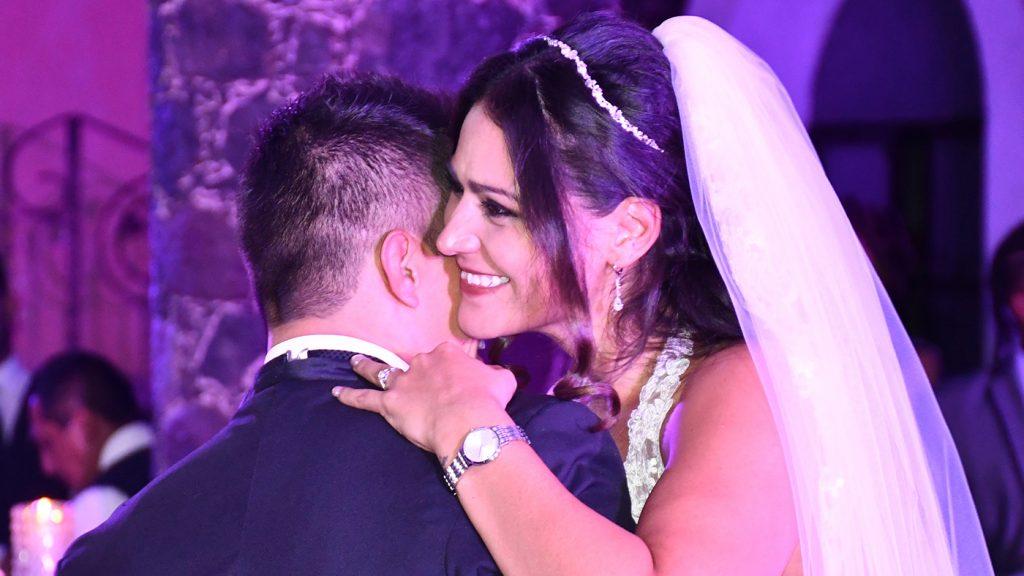 <h1>Fernanda y Luis unen sus vidas para siempre</h1>