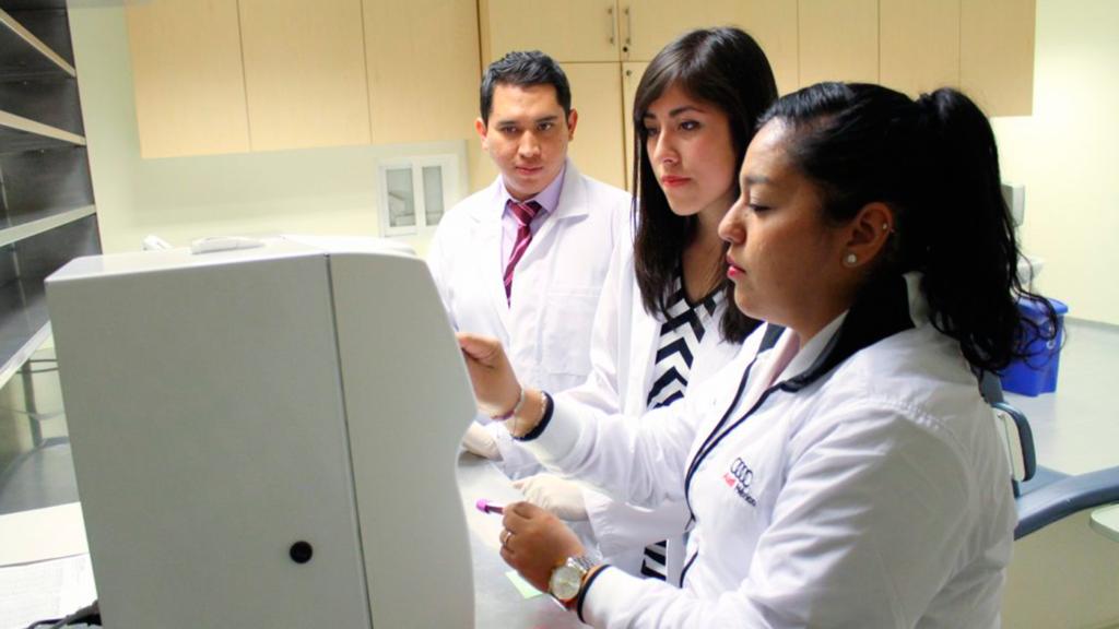 <h1>AMLO planea abrir universidad para formar médicos y enfermeras en la CDMX</h1>