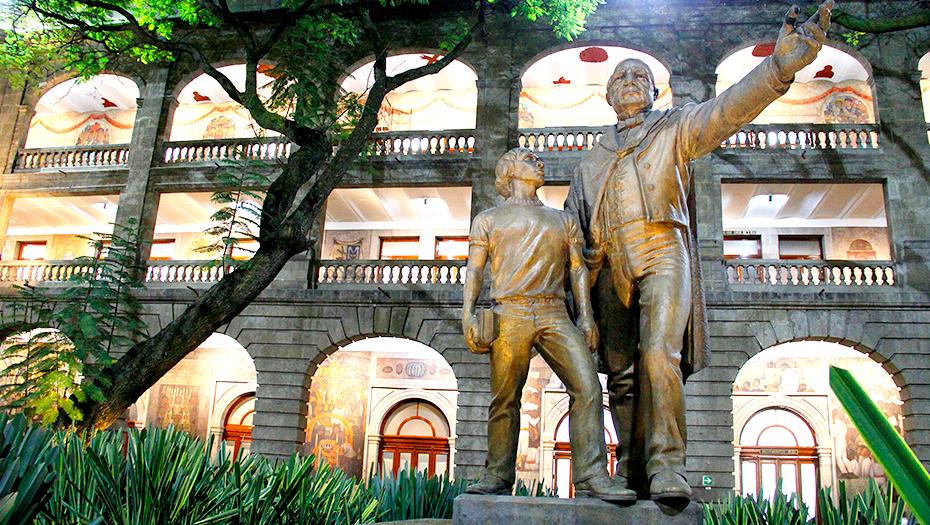 <h1>Michoacán ya no pagará a sus docentes</h1>