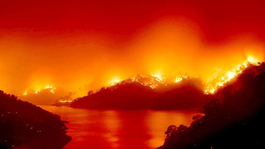 <h1>¡Imparables! Incendios en California continúan, son los más grandes en la Historia del Estado</h1>